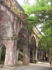 疏水橋のアーチ
